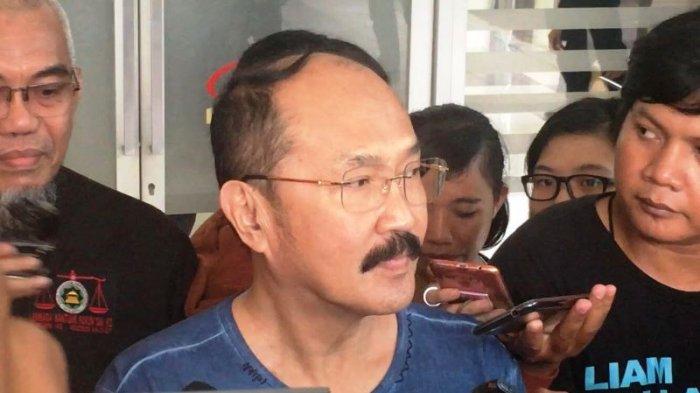 KPK Tetapkan Pengacara Dan Dokter Novanto Sebagai Tersangka